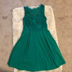 Francesca's size S NWT green lace dress holiday
